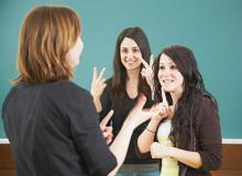 Communicate with ease in American Sign Language